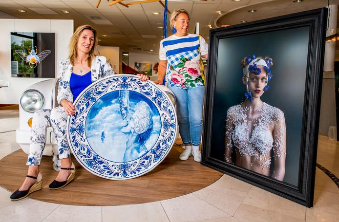 Sfeer Groot artikel in het AD over de zomerexpositie Delfts blauw!