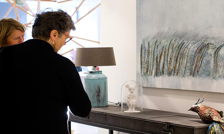 reserveer een kunstwerk bij galerie Oudewater. Kunstcollectie, schilderijen, sculpturen en fotografie voor uw woning. Huis en inrichting.