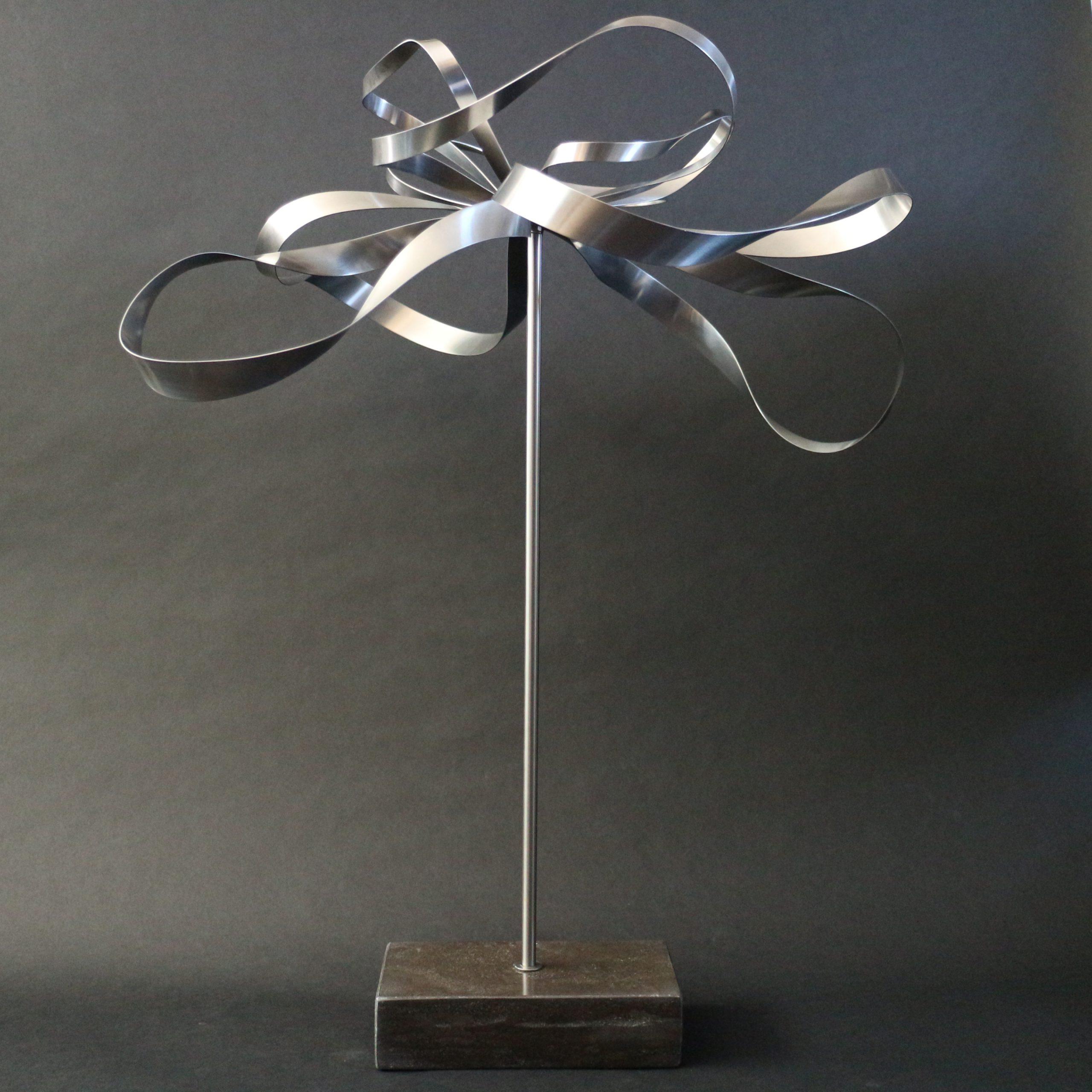 Kunst: Metal Flower 1 van kunstenaar Bert Verboon