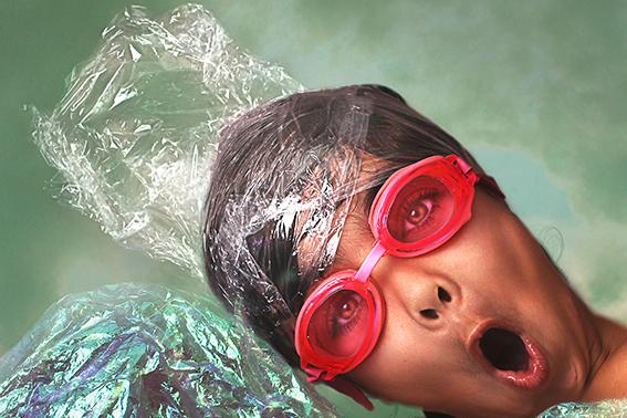 Kunst: Plastic Fantastic III van kunstenaar Monique Roodenburg