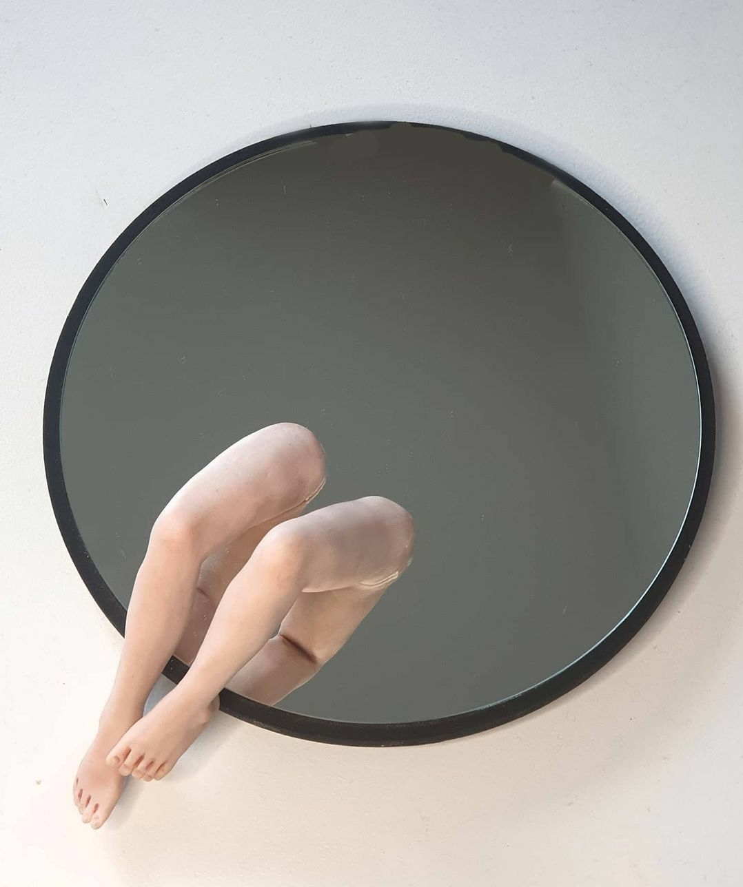 Kunst: Spiegel neemt de benen van kunstenaar Saskia Hoeboer