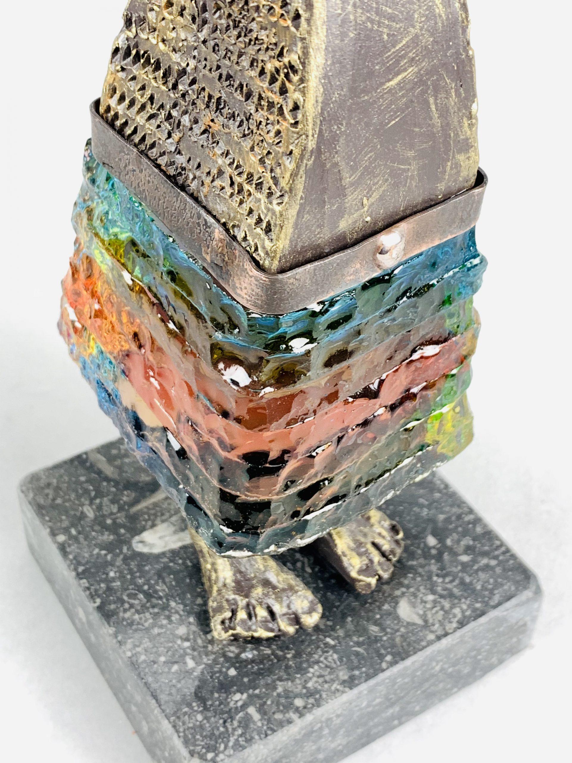 Kunst: La vie est belle (geel/oranje/blauw) van kunstenaar Sjaak Smetsers