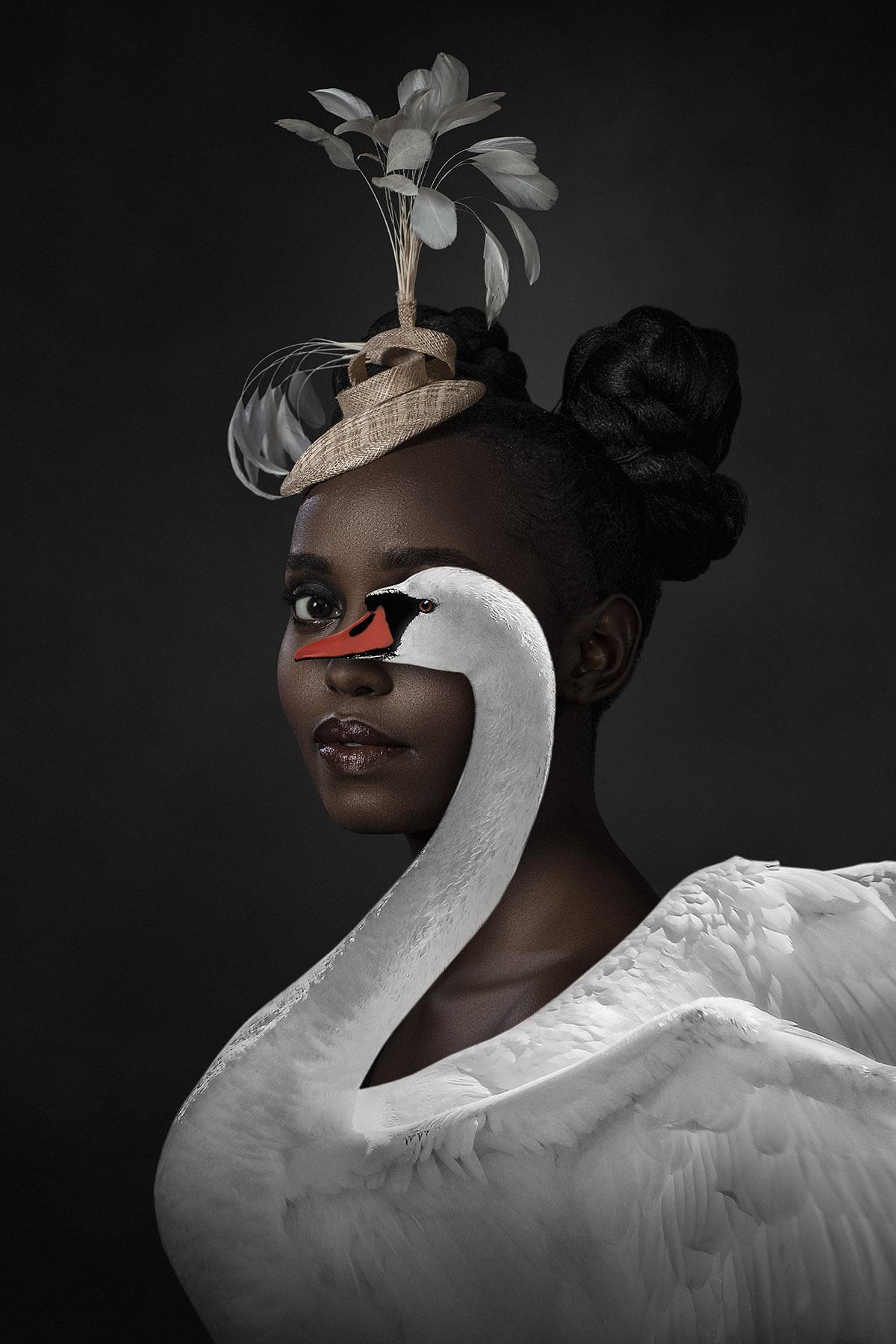 Kunst: The Swan Countess van kunstenaar Gert Kist