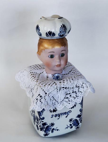Kunst: Blue sugar girl van kunstenaar Frida Badoux