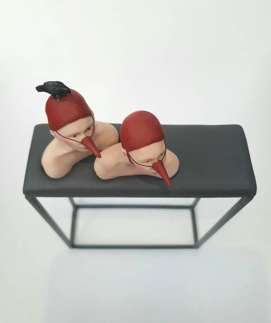 Kunst: alle neuzen dezelfde kant op van kunstenaar Saskia Hoeboer