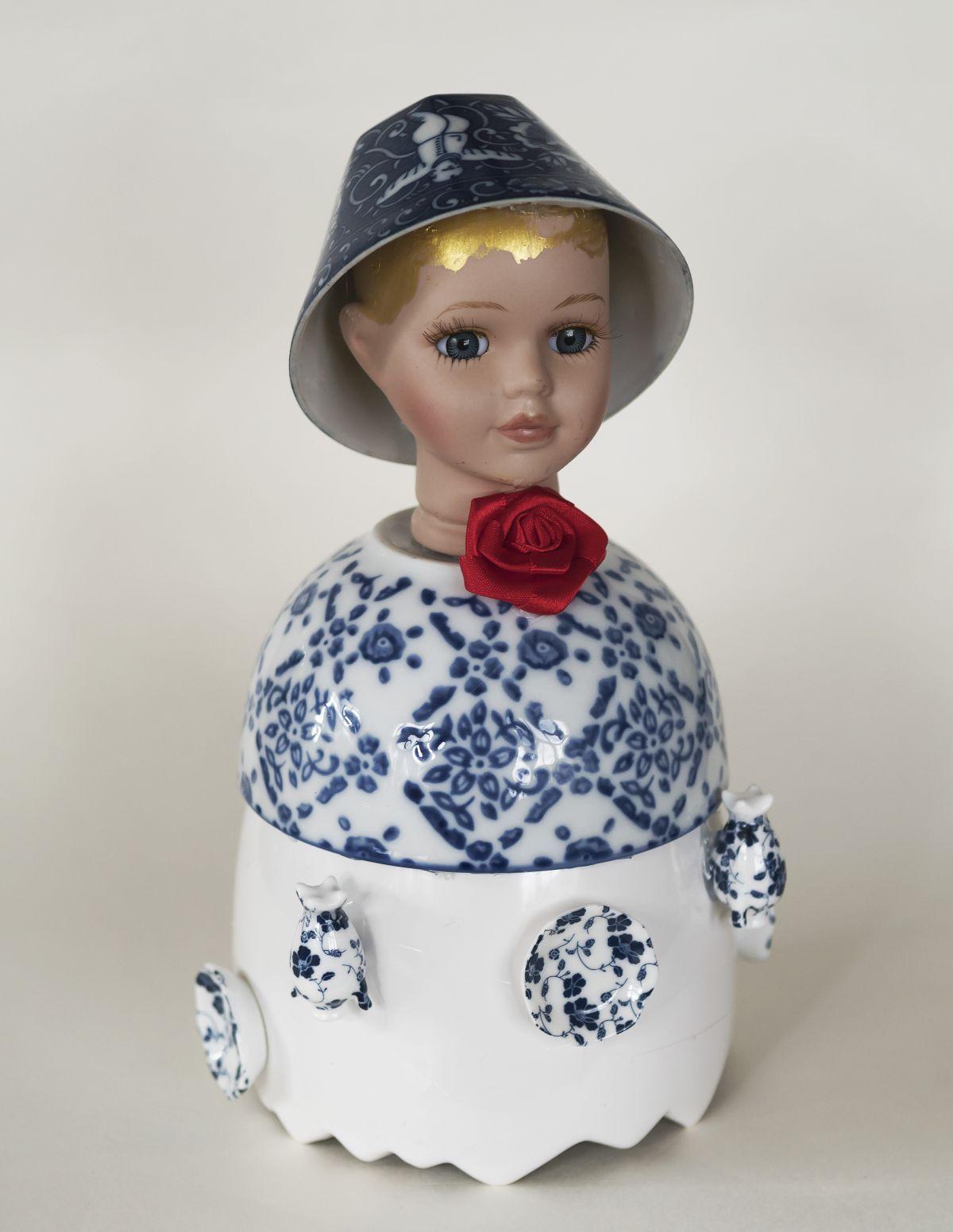 Kunst: Blue girl with red rose van kunstenaar Frida Badoux