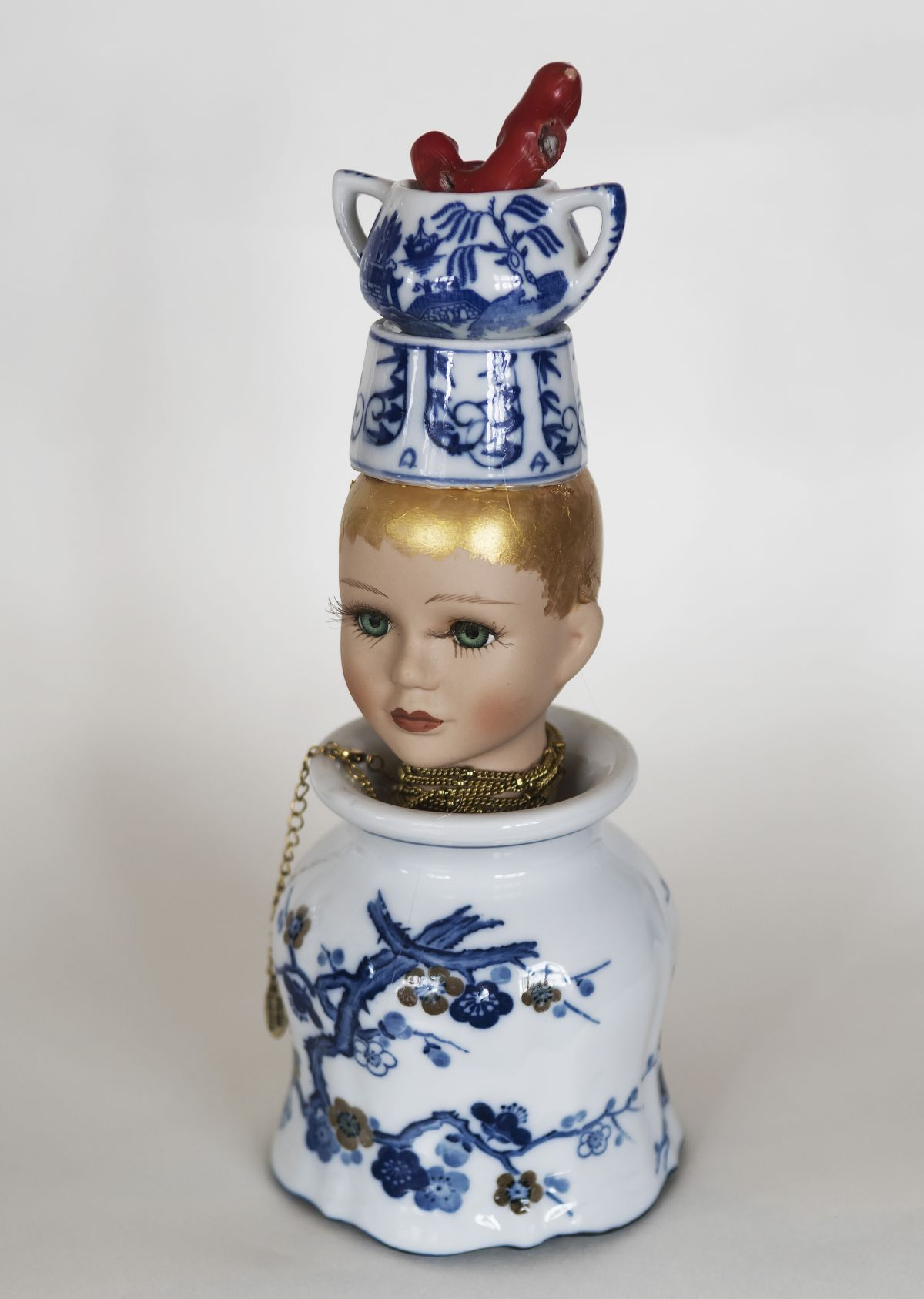 Kunst: Blue lady with coral van kunstenaar Frida Badoux