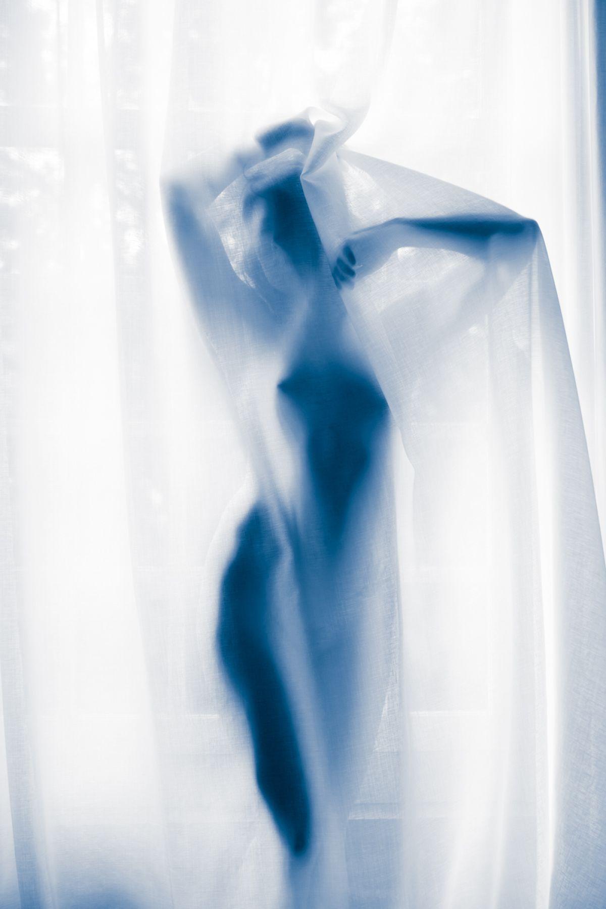 Kunst: Blue nude 4 van kunstenaar Barend Houtsmuller