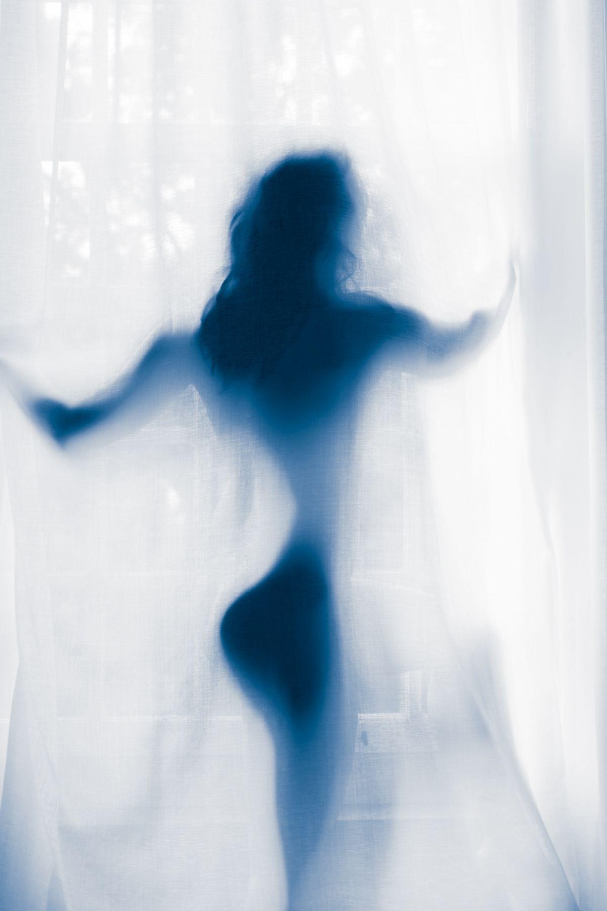 Kunst: Blue nude 5 van kunstenaar Barend Houtsmuller