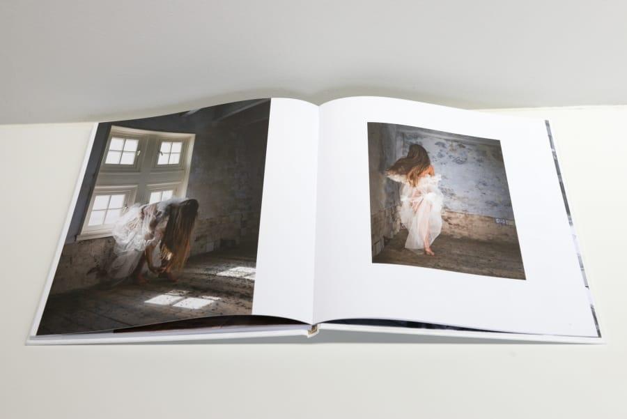 """Kunst: Boek """"Verweven"""" van kunstenaar Barend Houtsmuller"""