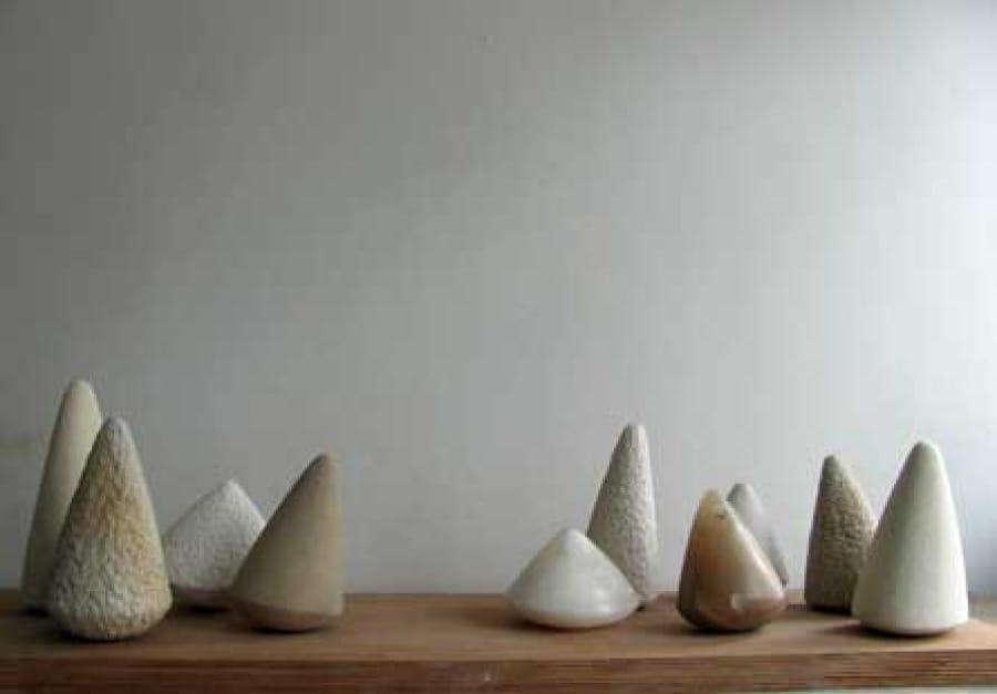 Kunst: Company of stones van kunstenaar Fieke de Roij