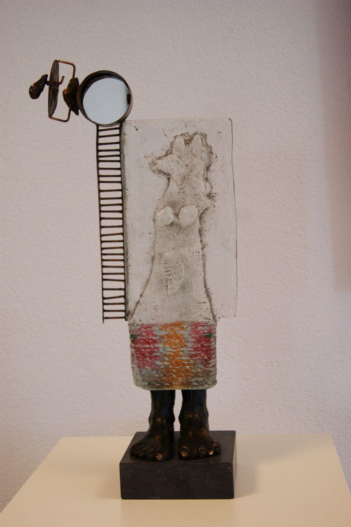 Kunst: Cycle of a woman van kunstenaar Sjaak Smetsers