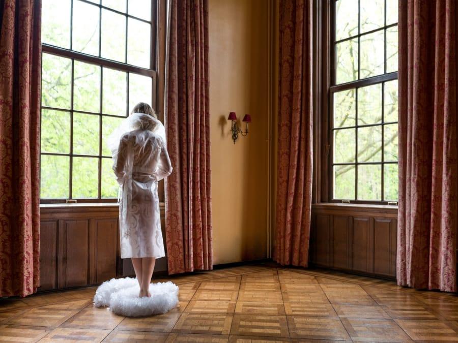 Kunst: Damoiselle van kunstenaar Barend Houtsmuller