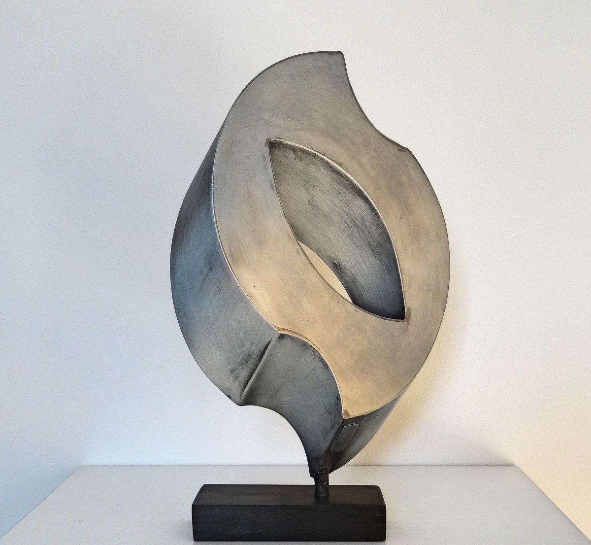 Kunst: Different Curves van kunstenaar Han Lammers