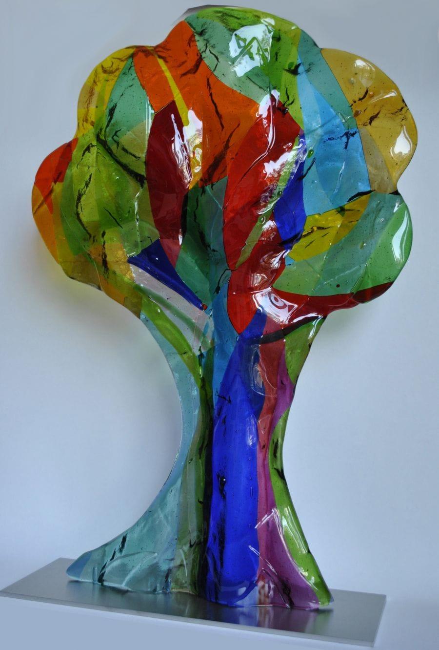 Kunst: Grote boom 'Stralend' van kunstenaar Angenelle Thijssen