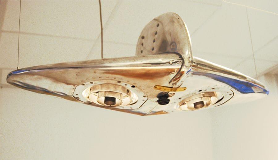 Kunst: Hanglamp / Jetson van kunstenaar Stef van der Bijl