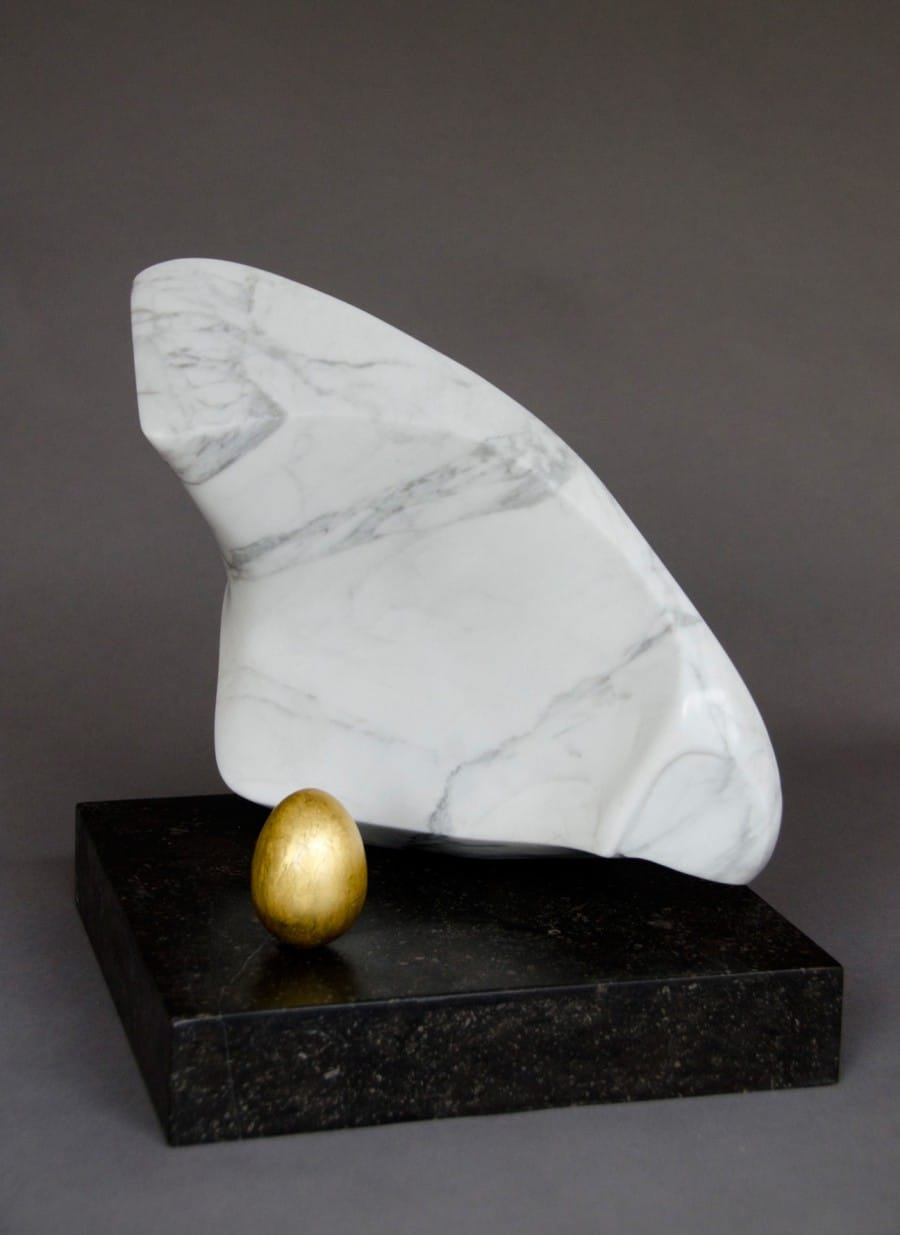 Kunst: Kip met gouden ei van kunstenaar Els Grootaers