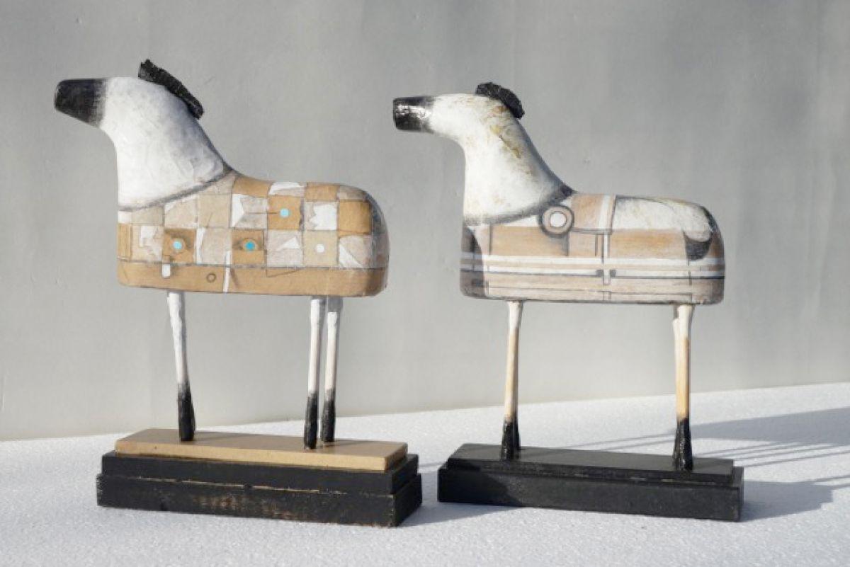 Kunst: Kleine paardjes van kunstenaar Aad de Wit