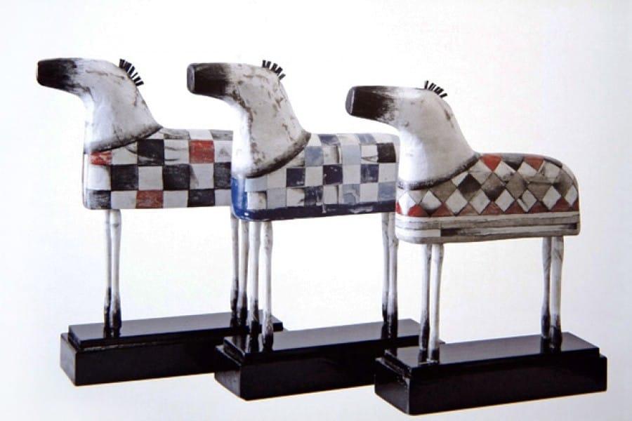 Kunst: Kleine paardjes (zwart/wit) van kunstenaar Aad de Wit