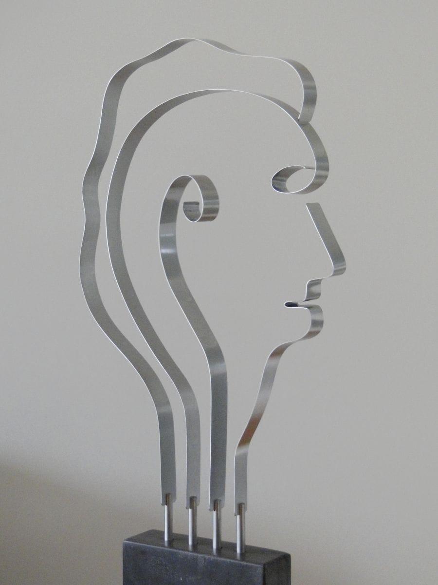 Kunst: Metal Head 1 van kunstenaar Bert Verboon