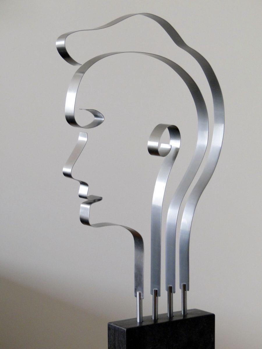 Kunst: Metal Head 2 van kunstenaar Bert Verboon