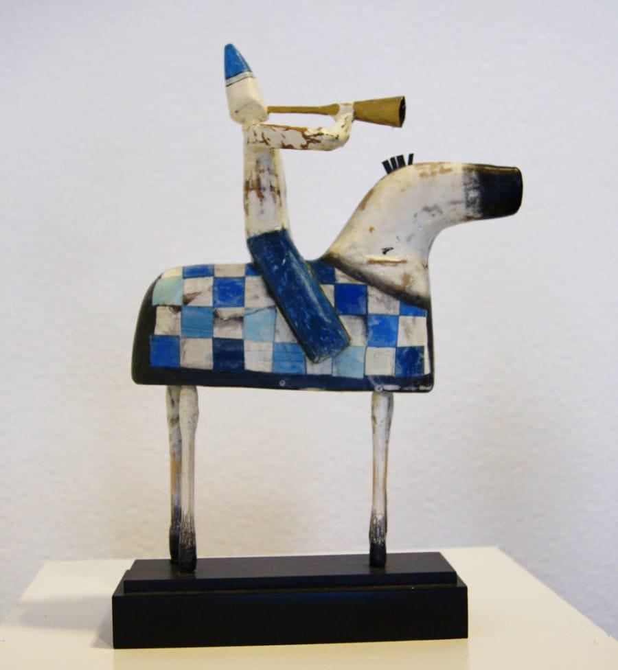 Kunst: Paardje klein met ruiter (blauw) van kunstenaar Aad de Wit