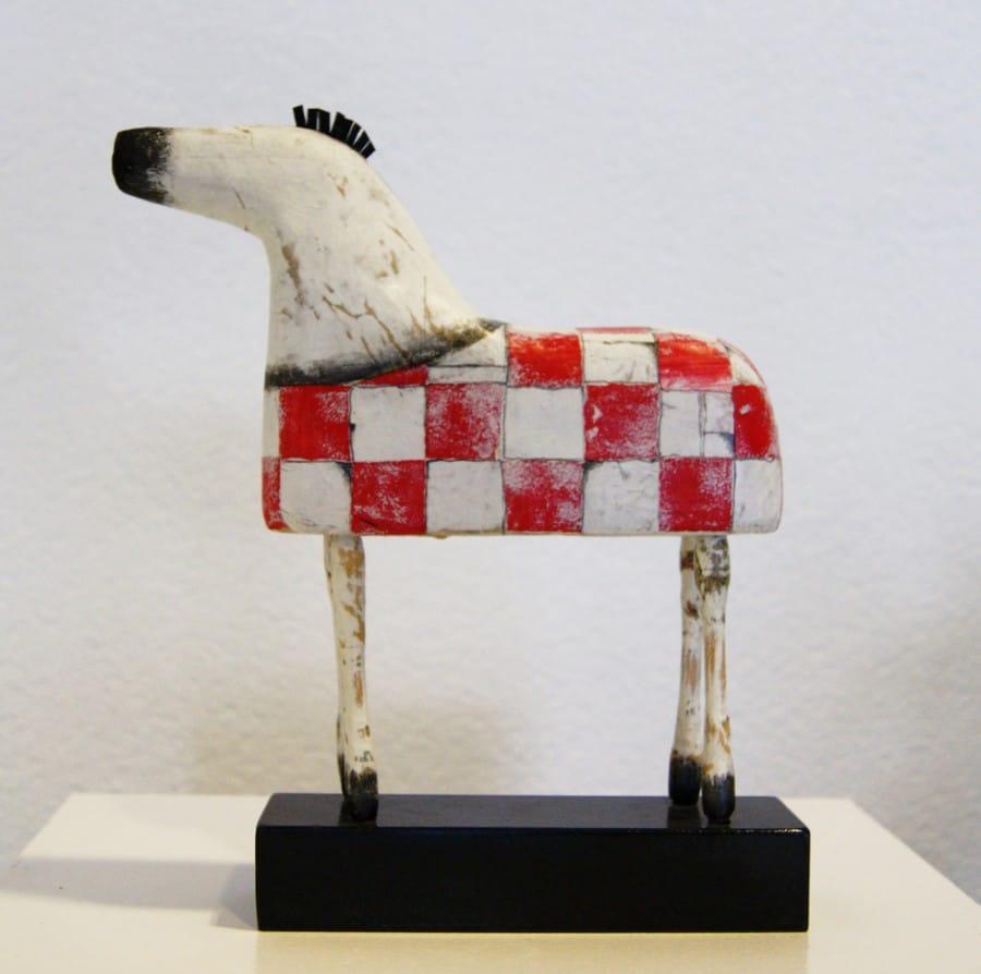 Kunst: Paardje kleine rood up van kunstenaar Aad de Wit