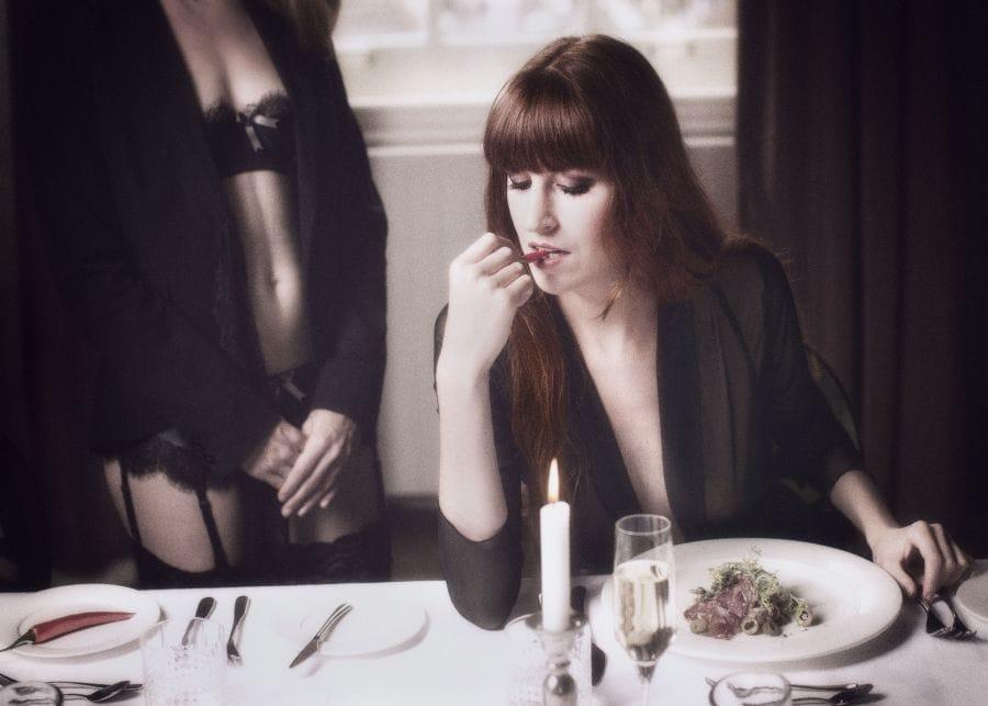 Kunst: Private dinner 1 van kunstenaar Gertjan van Geerenstein