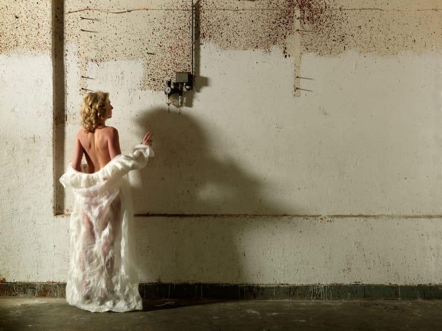 Kunst: Robe Blanche van kunstenaar Barend Houtsmuller