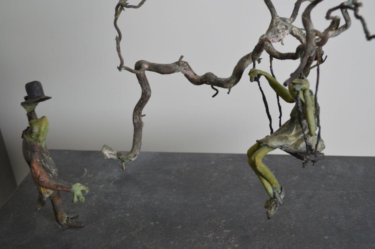 Kunst: swinging frog van kunstenaar Chris Gadiot