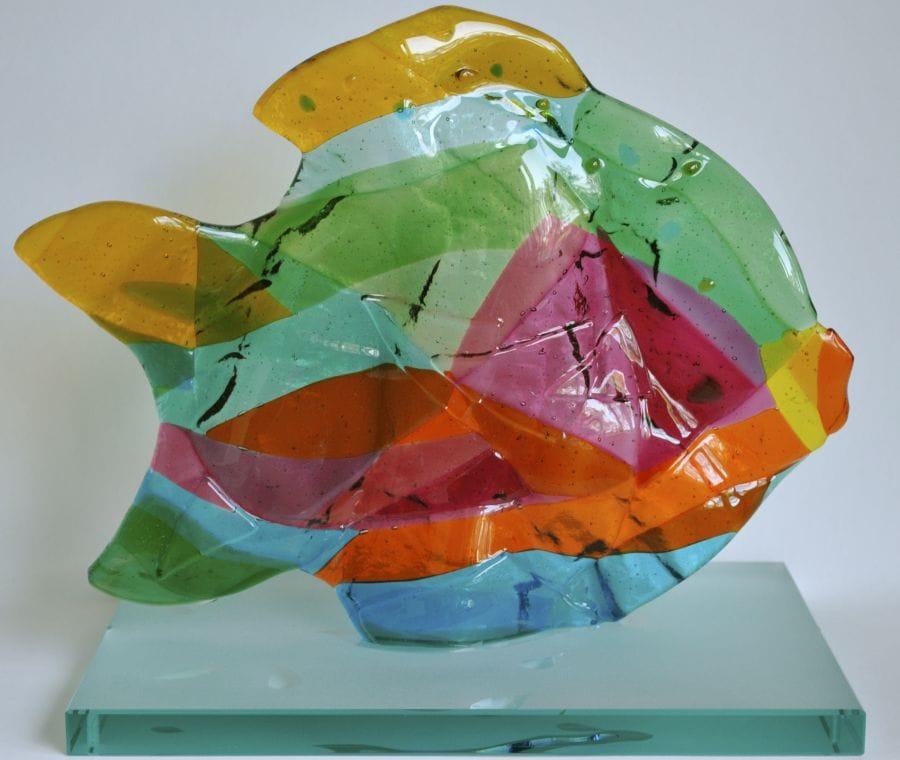 Kunst: Vis, zwemmend naar rechts van kunstenaar Angenelle Thijssen