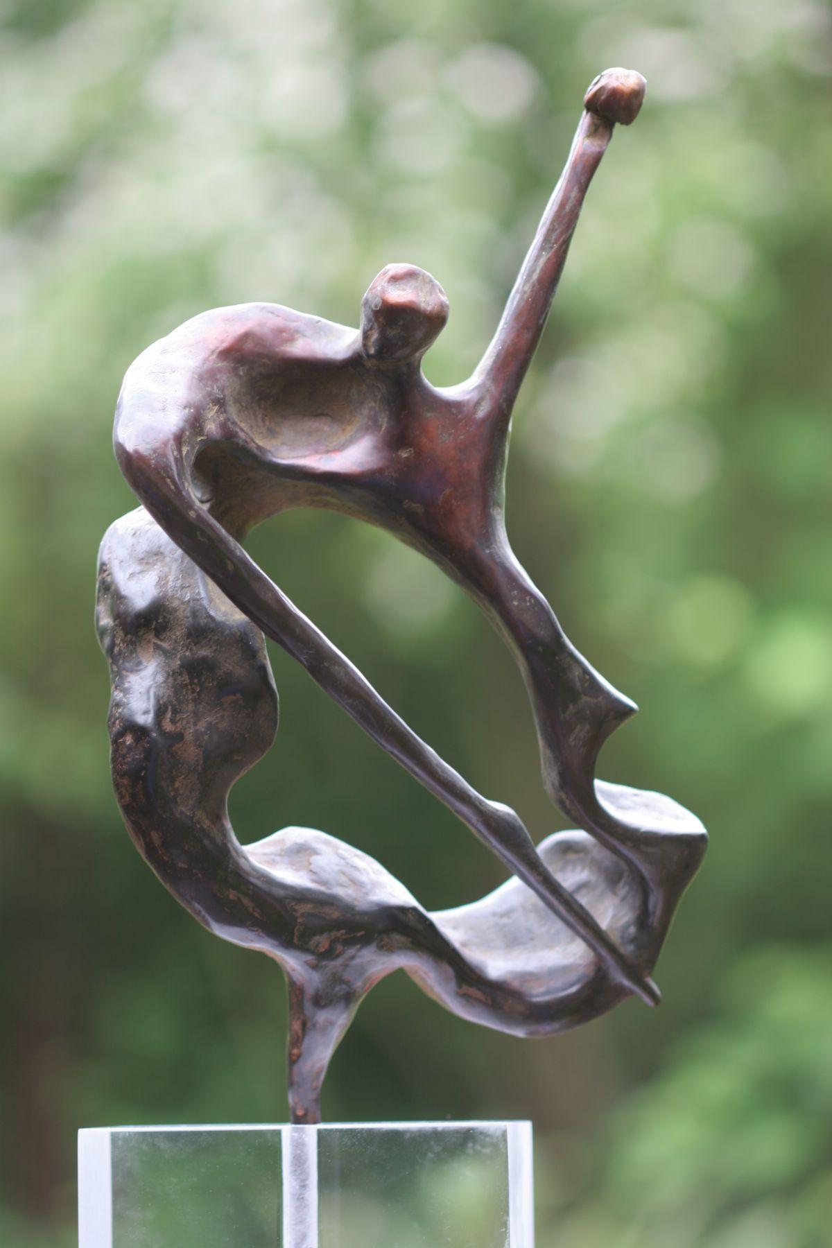 Kunst: Walking Bass van kunstenaar  Rogier Ruys